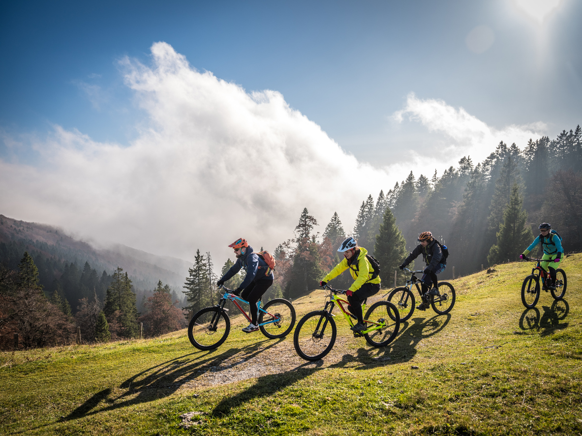 when is the best time for mountain biking