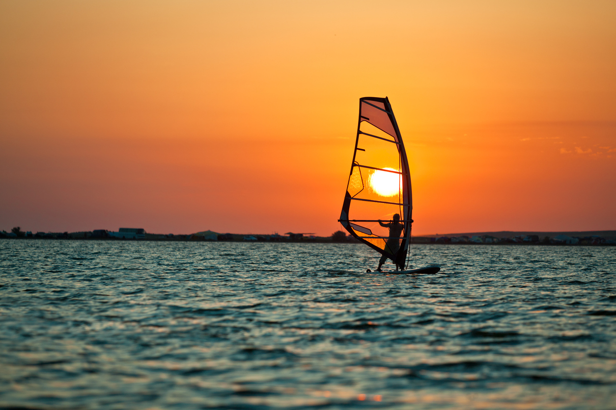 how to do windsurfing