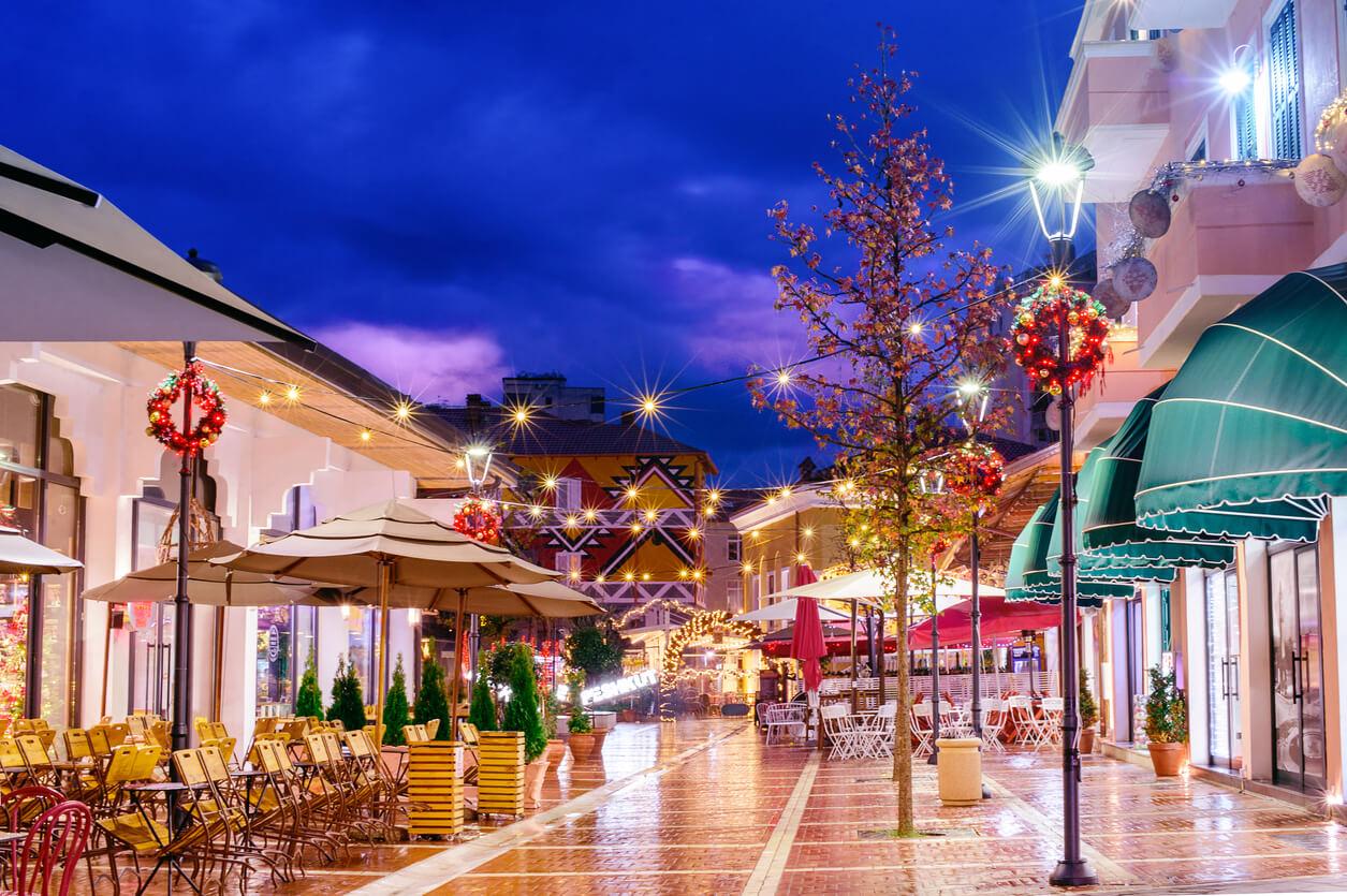 Arnavutluk'ta alışveriş