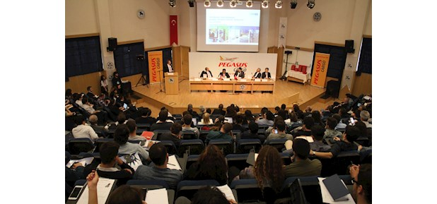 The International Transport and Logistics Conference brings together industry experts and students